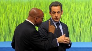 Jacob Zuma et Nicolas Sarkozy au G20 à Séoul, en Corée du Sud, le 12 novembre 2011. REUTERS/Philippe Wojazer
